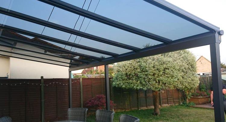 Fixing a veranda onto a bungalow roof