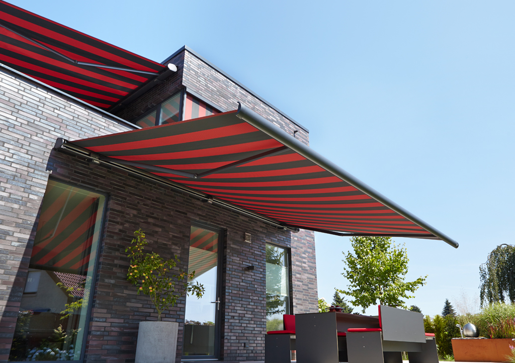 Markilux MX6000 Awning Retracting