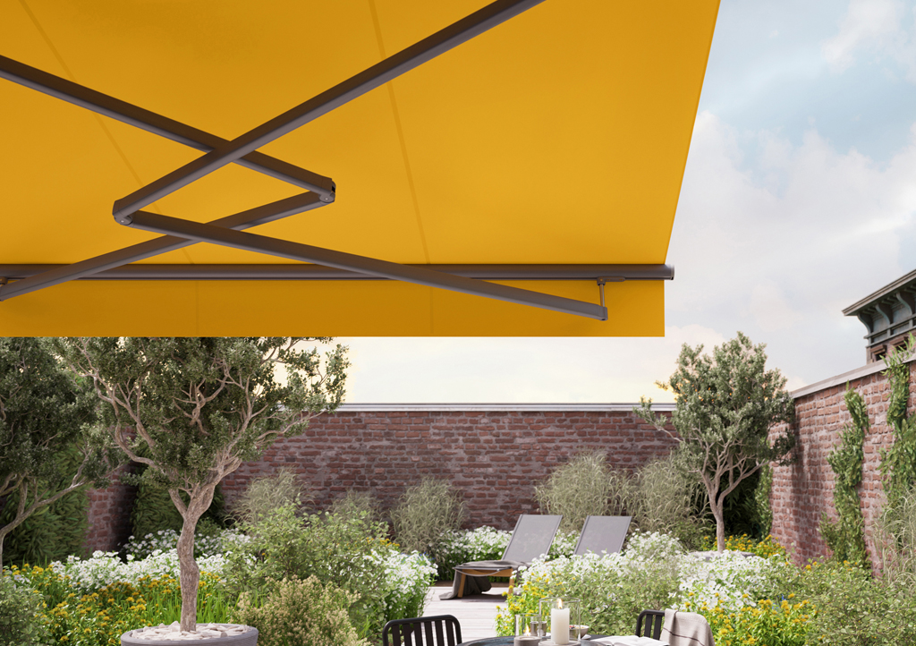 Markilux 1710 Stretch Awning Retracting